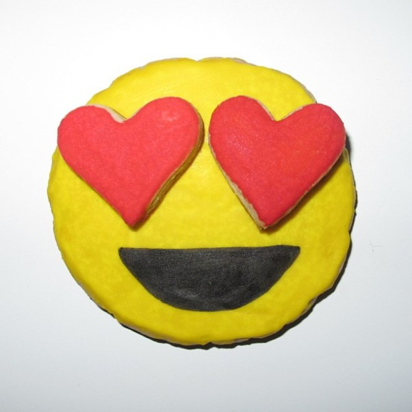 flour shop emoji cookie