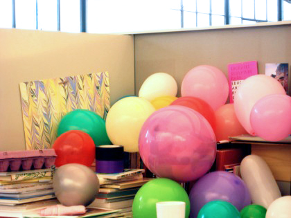 balloon-desk-420x315